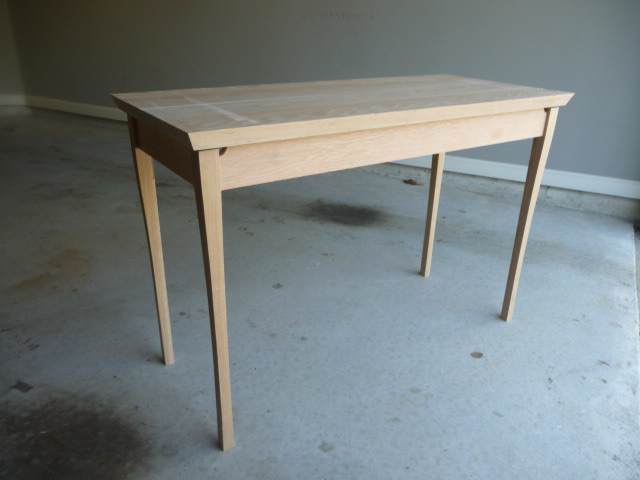simple woodworking desk